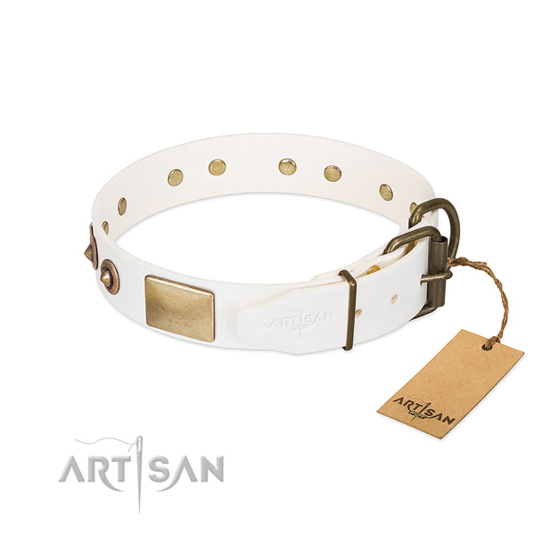 Strong D-ring on full grain leather dog collar for your doggie