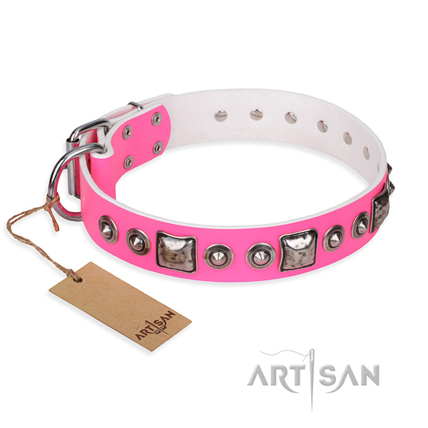 Natural genuine leather dog collar made of top rate material with rust-proof buckle