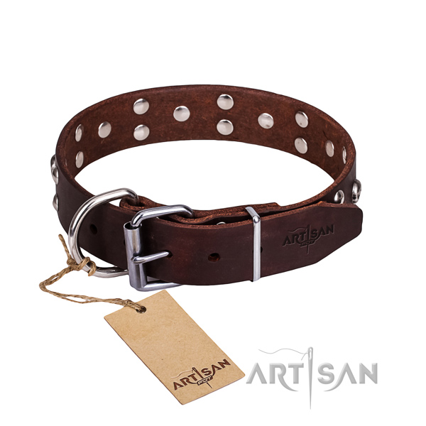 Leather dog collar with worked out edges for comfy walking
